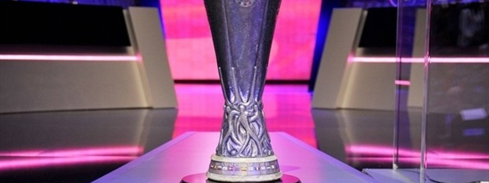 Very big uefa europa league2